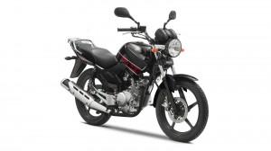 2013-Yamaha-YBR125-EU-Midnight-Black-Studio-002-300x168